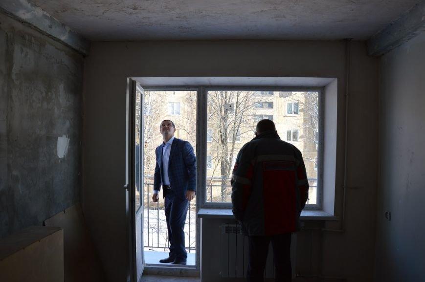 Авдеевский КХЗ восстановил две наиболее повреждённые многоэтажки (ФОТО), фото-5