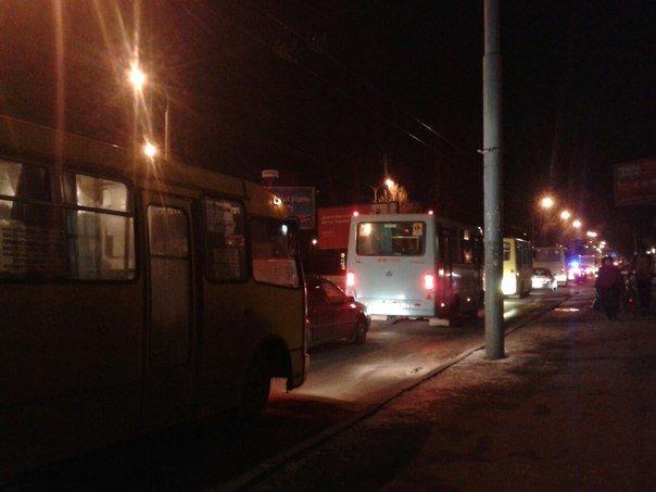 На вулиці Городоцькій виник затор (ФОТО) (фото) - фото 1