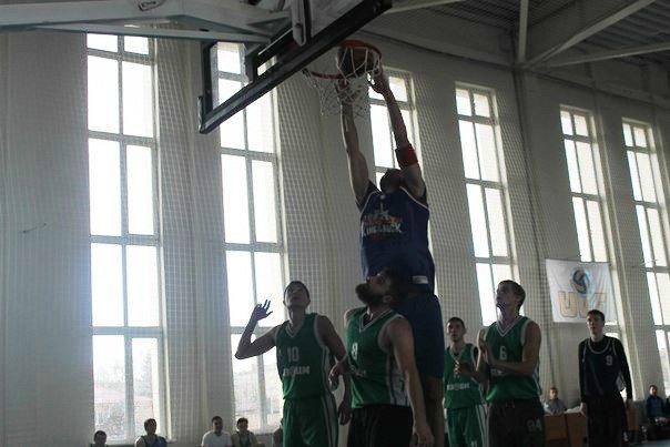 В Артемовске-Бахмуте прошел баскетбольный турнир (фото) - фото 1