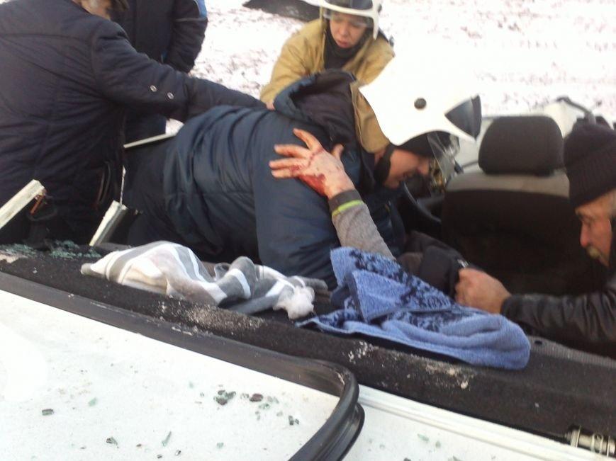 В Морозовском районе в столкновении двух «ВАЗов» погиб мужчина (фото) - фото 1