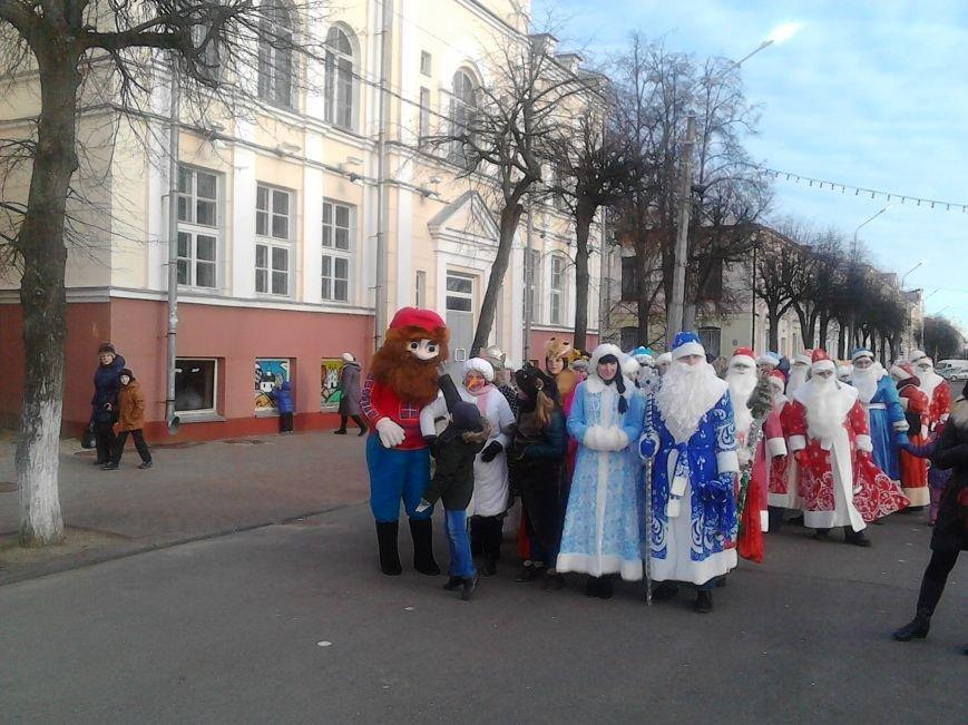 Дед Мороз на лимузине: в Полоцке открыли городскую  елку, фото-5