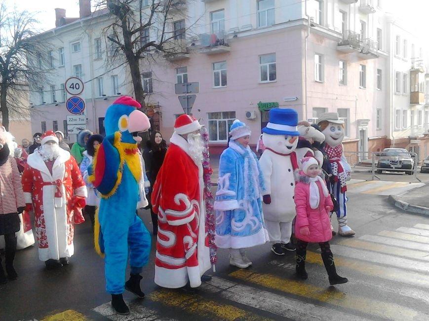 Дед Мороз на лимузине: в Полоцке открыли городскую  елку, фото-6