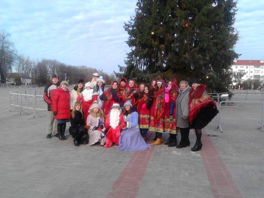 Дед Мороз на лимузине: в Полоцке открыли городскую  елку, фото-8