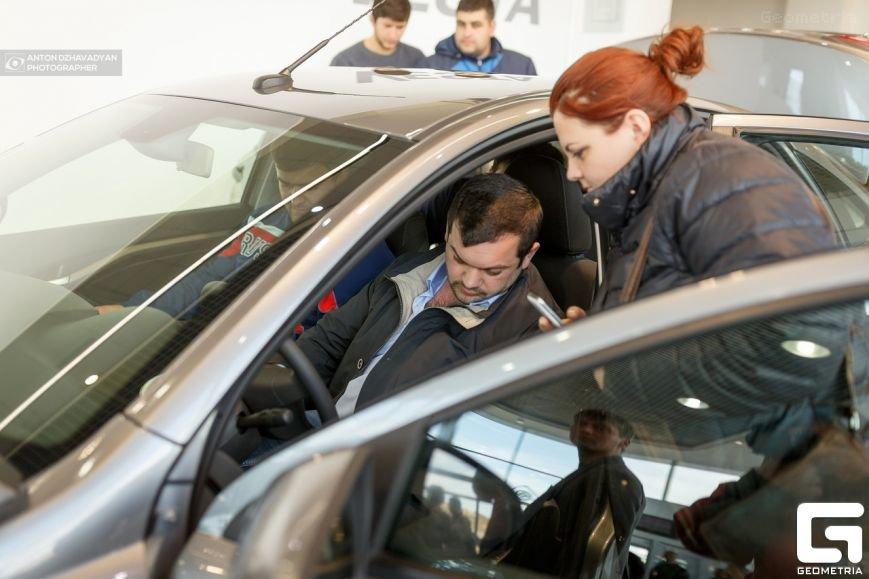 Презентация новой LADA Vesta в городе Пятигорске произвела настоящий фурор! (фото) - фото 1