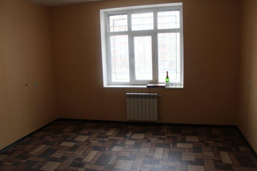 Перед Новым годом 4 крымско-татарские семьи получили от властей Крыма новые квартиры (ФОТО) (фото) - фото 7