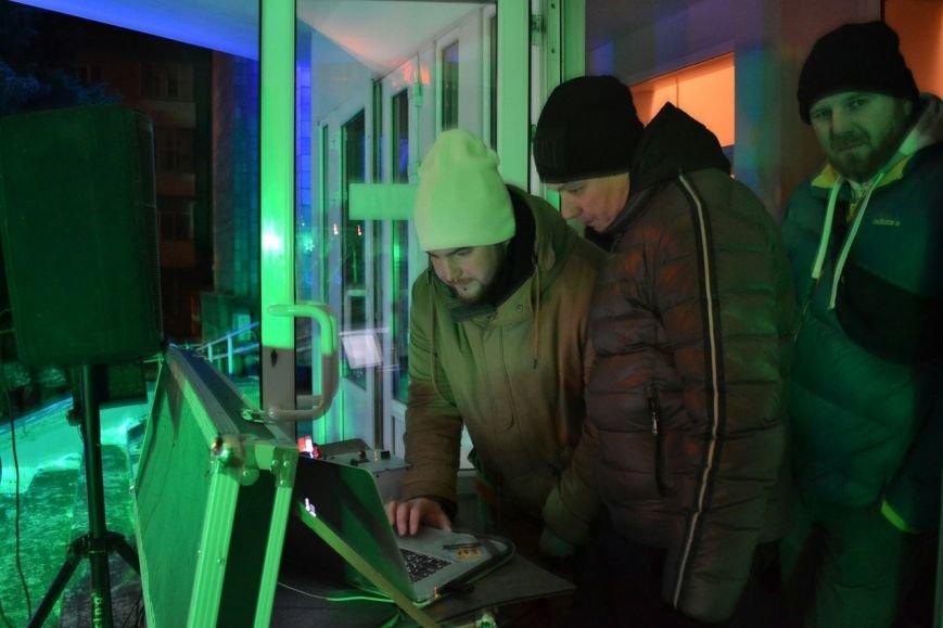 Новогодняя ночь в Кременчуге: 1500 кременчужан встретили новый год у главной елки города (ФОТО) (фото) - фото 4
