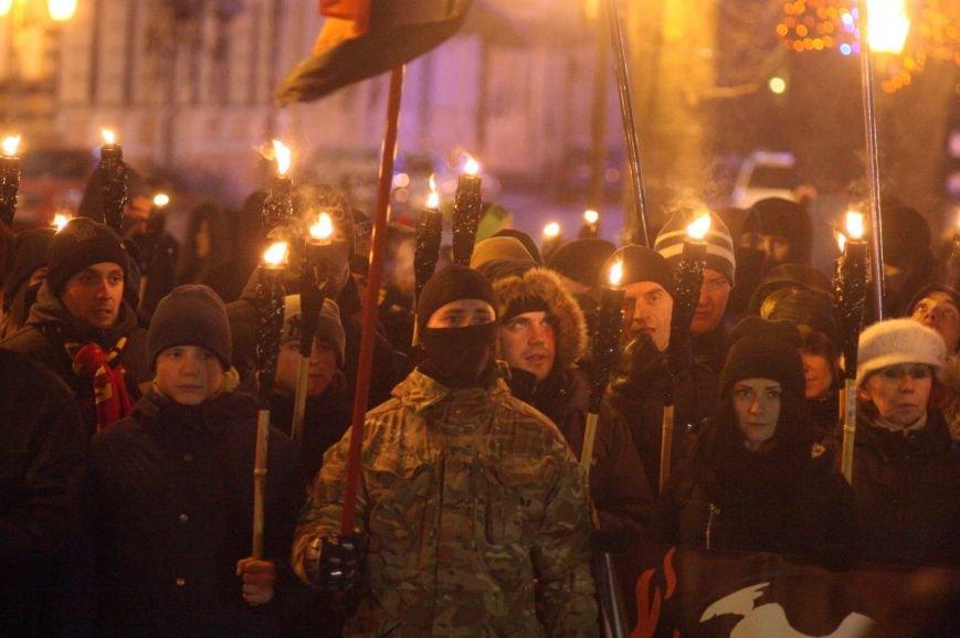 В Одессе националисты впервые провели факельное шествие в честь Бандеры (ФОТО), фото-21