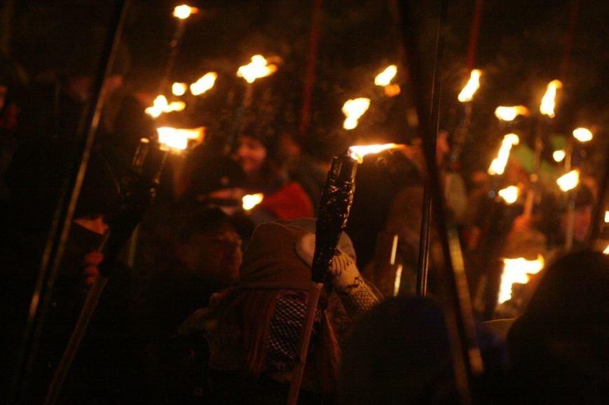 В Одессе националисты впервые провели факельное шествие в честь Бандеры (ФОТО), фото-7