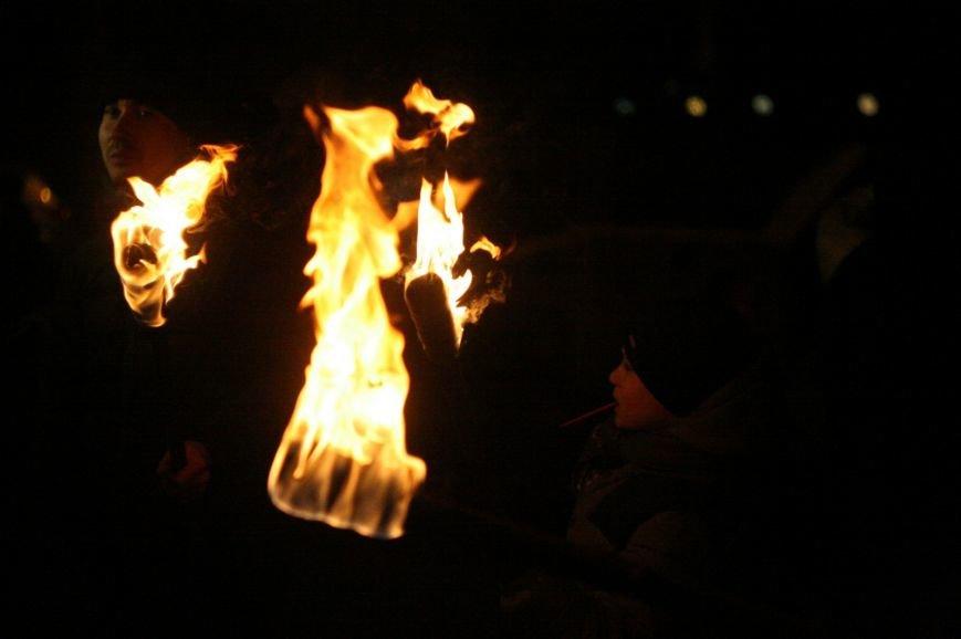 В Одессе националисты впервые провели факельное шествие в честь Бандеры (ФОТО), фото-5