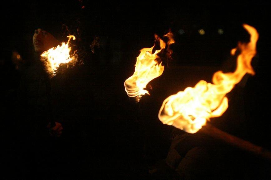 В Одессе националисты впервые провели факельное шествие в честь Бандеры (ФОТО), фото-4