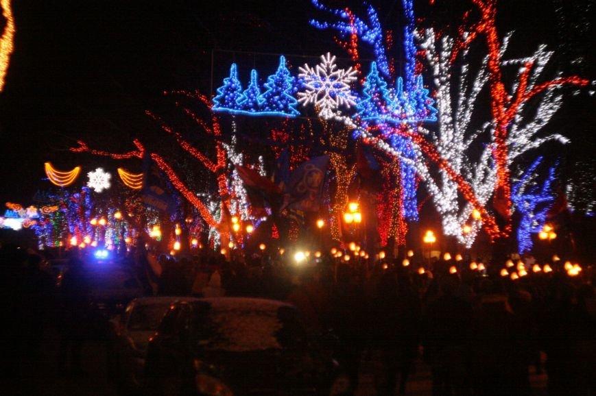 В Одессе националисты впервые провели факельное шествие в честь Бандеры (ФОТО), фото-20