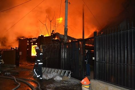 Подробности: как в Одессе из-за фейерверка дома горели (ФОТО) (фото) - фото 1