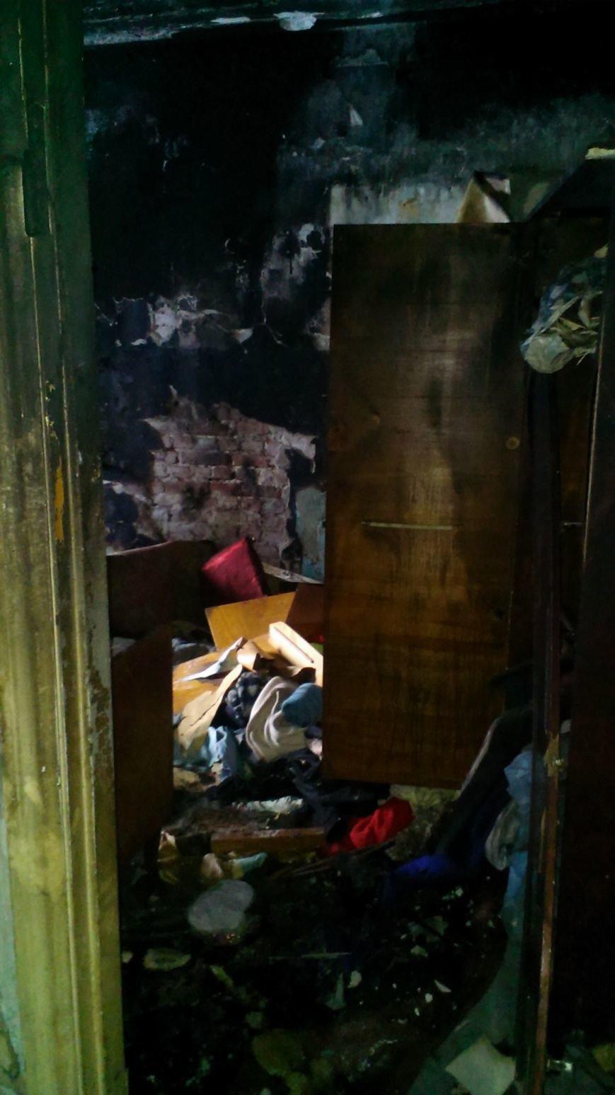 В Днепродзержинске 1 января 2 человека пострадало на пожаре (фото) - фото 5