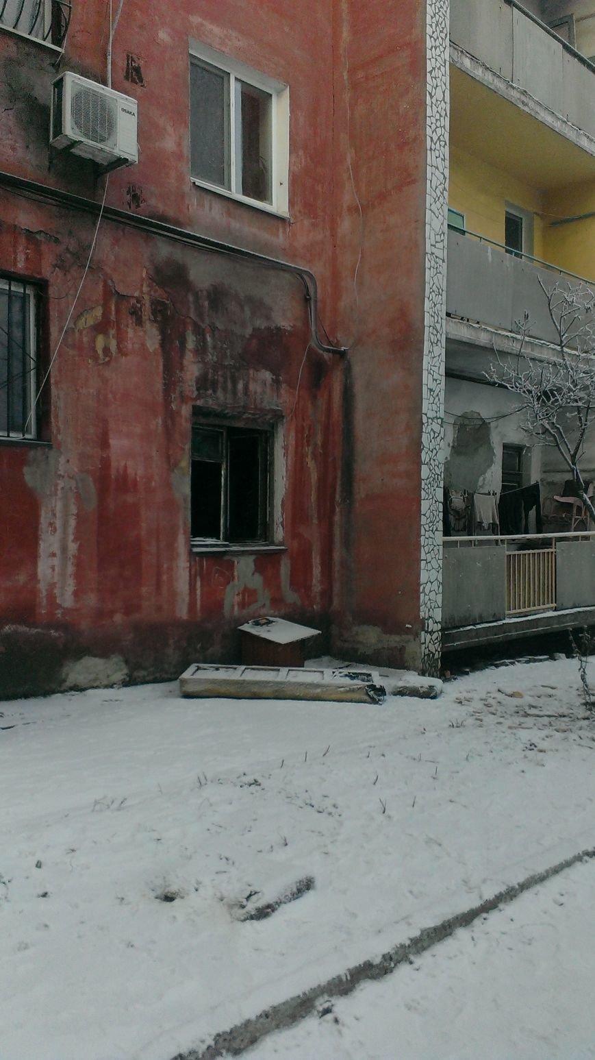 В Днепродзержинске 1 января 2 человека пострадало на пожаре (фото) - фото 6
