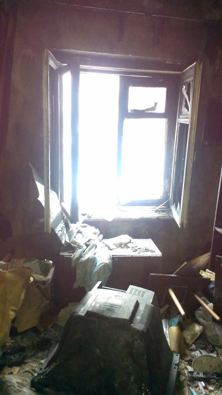 В Днепродзержинске 1 января 2 человека пострадало на пожаре (фото) - фото 2