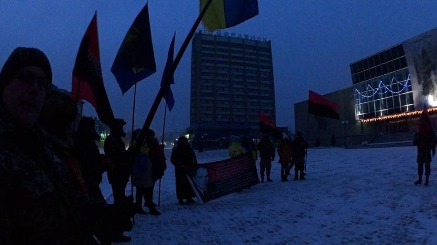 В Бердянске представители правого сектора отмечали день рождения Бандеры (фото) - фото 5