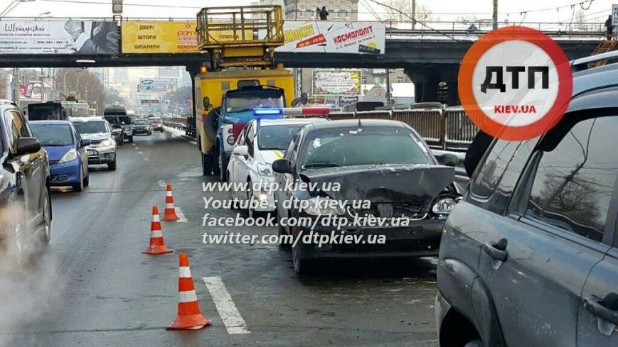 На Победы в ДТП попали 5 машин и автобус (ФОТО), фото-1