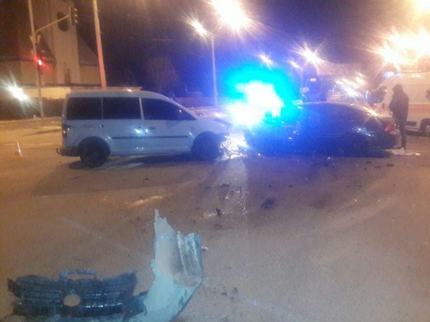 На вулиці Любінській у Львові зіткнулися дві автівки. Опубліковані фото з місця пригоди (ФОТО), фото-1