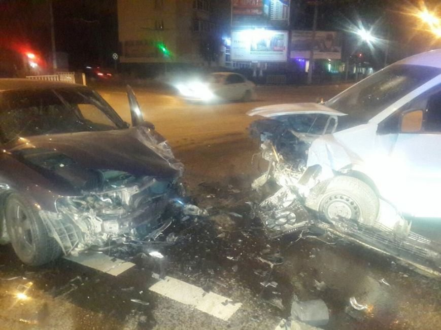 На вулиці Любінській у Львові зіткнулися дві автівки. Опубліковані фото з місця пригоди (ФОТО), фото-2