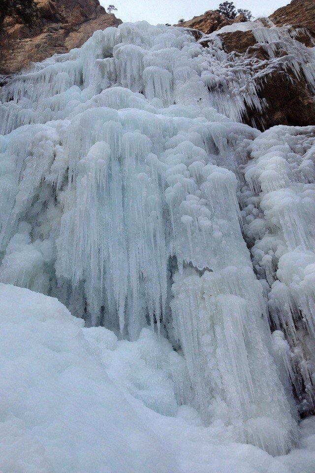 Самый высокий водопад Крыма покрылся льдом (ФОТОФАКТ) (фото) - фото 2