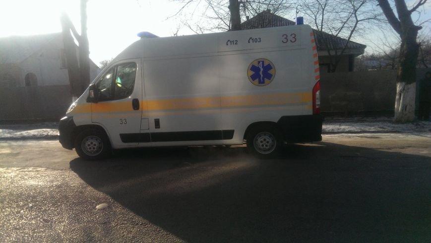 В Сокирянах сталося ДТП: водій виїхав в дерево (фото) (фото) - фото 1
