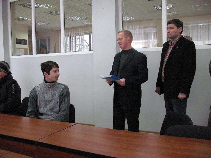 На Луганщине вручили квартиру участнику АТО, который воевал под Иловайск (Фото) (фото) - фото 2