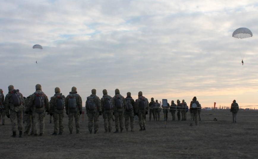 Николаевских морпехов посвятили в парашютисты (ФОТО) (фото) - фото 6