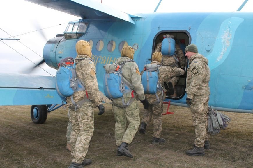 Николаевских морпехов посвятили в парашютисты (ФОТО) (фото) - фото 2