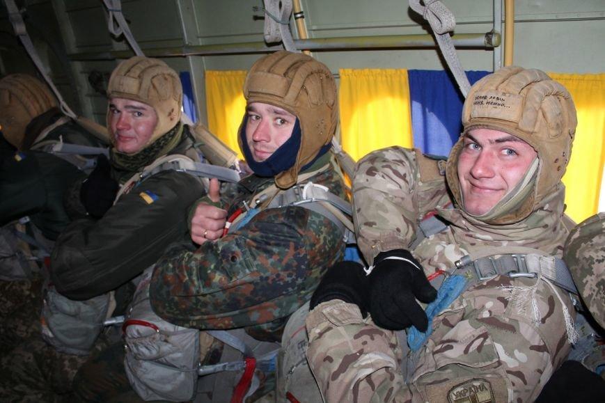 Николаевских морпехов посвятили в парашютисты (ФОТО) (фото) - фото 3