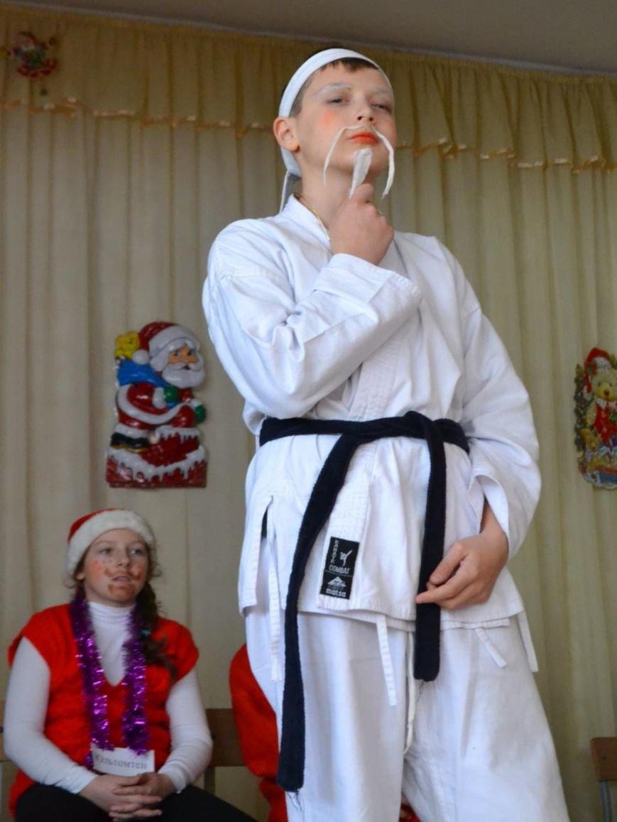 """Эксперименты на детях: много крика не бывает. В Алупке провели """"битву новогодних волшебников"""", фото-1"""