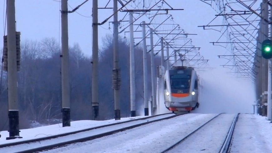 У скоростного электропоезда ЕКр-1 «Тарпан» производства КВСЗ на морозе отказала система питания (фото) - фото 1
