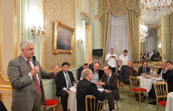 Le Monde: запрещенные вина Массандры привезли из Ялты во Францию диппочтой (фото) - фото 3