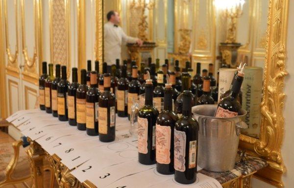 Le Monde: запрещенные вина Массандры привезли из Ялты во Францию диппочтой (фото) - фото 1