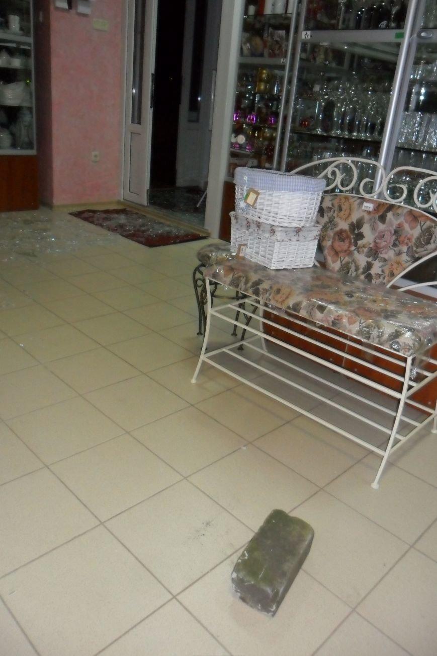 Кременчугский вор при помощи кирпича мог обокрасть магазин за несколько минут (ФОТО), фото-5