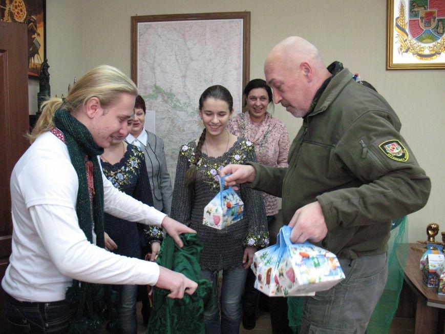 В Северодонецке дети пришли с колядками к Георгию Туке (Фото) (фото) - фото 2