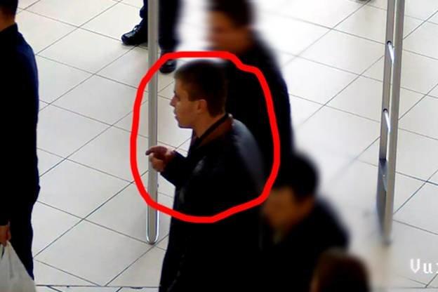 У Львові розшукують підозрюваного у шахрайстві чоловіка, який викрав автомобіль. Опубліковані фото та відео (фото) - фото 1
