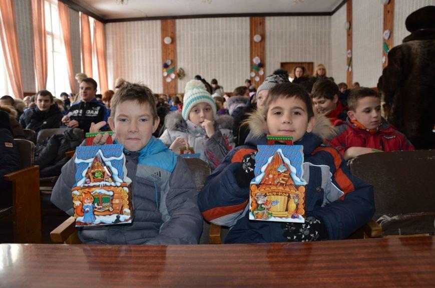 Авдеевские школьники получили сладкие подарки к Рождеству (ФОТО), фото-3