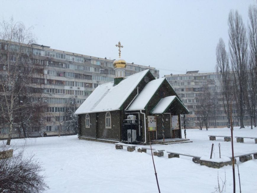 В Киеве неизвестные подожгли церковь УПЦ (ФОТО) (фото) - фото 1
