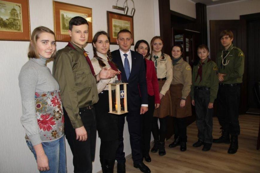 Пластуны доставили Вифлиемский огонь в кабинет мэра Кременчуга (ФОТО), фото-5