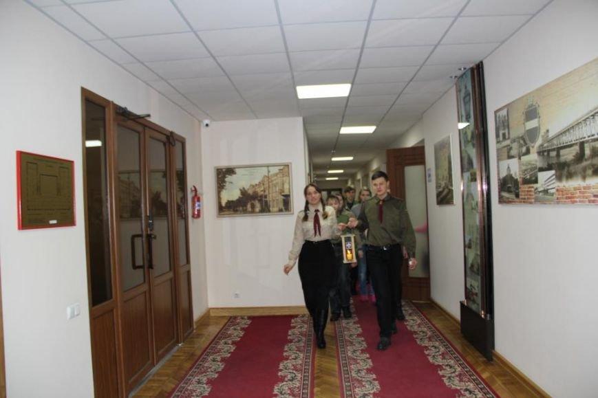 Пластуны доставили Вифлиемский огонь в кабинет мэра Кременчуга (ФОТО), фото-1