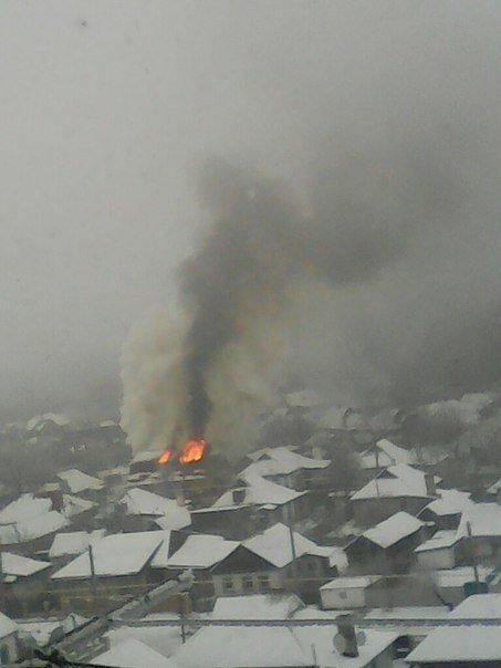 Сегодня в Макеевке сгорел дом (фото) - фото 2