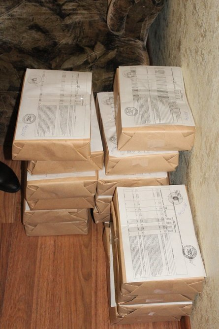 В Симферополе начали раздавать листовки с графиком отключений света (ФОТО) (фото) - фото 1
