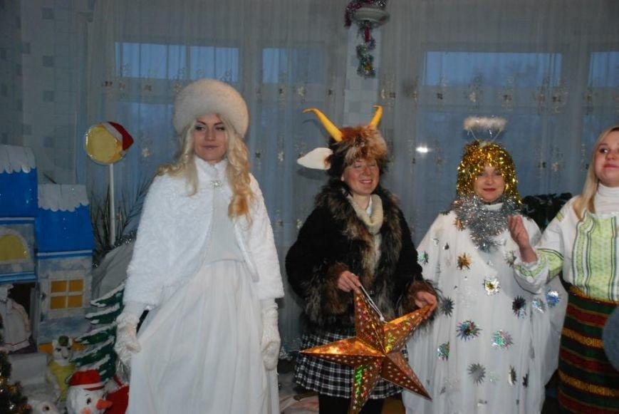Мэр Кременчуга поздравил пациентов детской больницы и вручил каждому подарок (ФОТО), фото-3