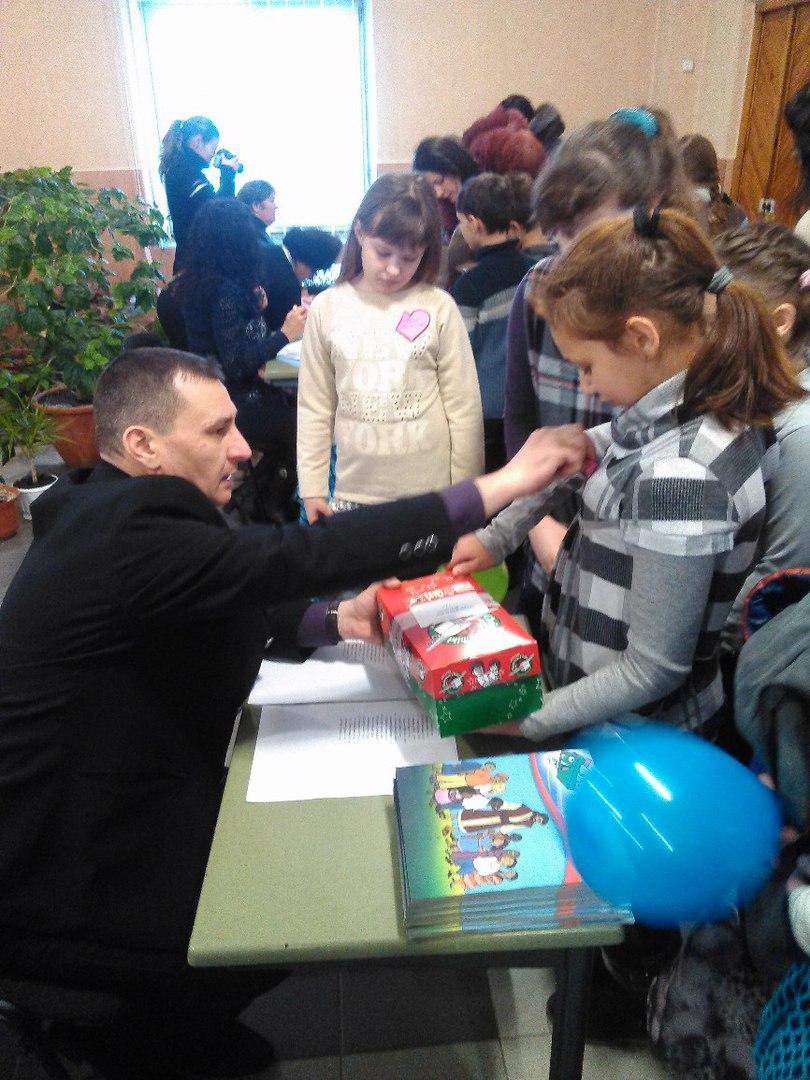 В Родинском детей-переселенцев поздравили с Рождеством Христовым (фото) - фото 2