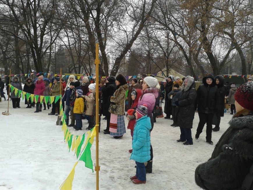 Во время І Рождественского фестиваля павлоградцы съели 300 кг солдатской каши, фото-2