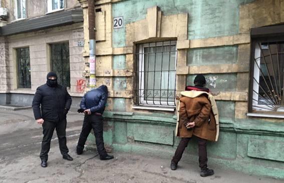 В Днепропетровске задержана группа фальшивомонетчиков (фото) - фото 1