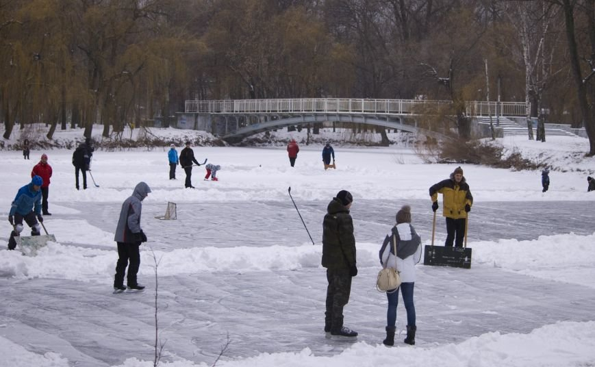 На Рождество запорожцы катались на коньках в