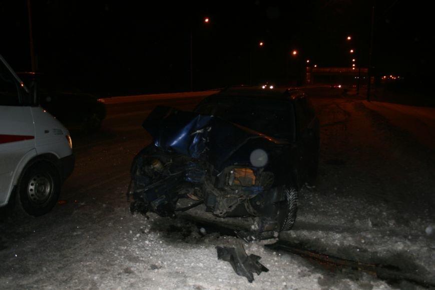 На Калужском шоссе автомобиль совершил наезд на мачту освещения (ФОТО), фото-5
