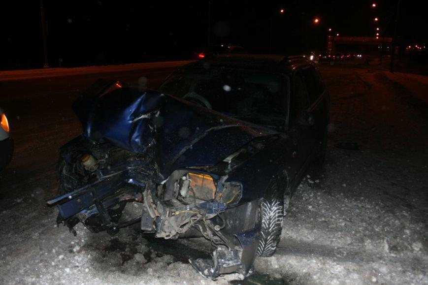 На Калужском шоссе автомобиль совершил наезд на мачту освещения (ФОТО), фото-4