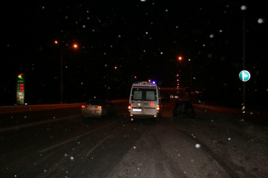 На Калужском шоссе автомобиль совершил наезд на мачту освещения (ФОТО), фото-3